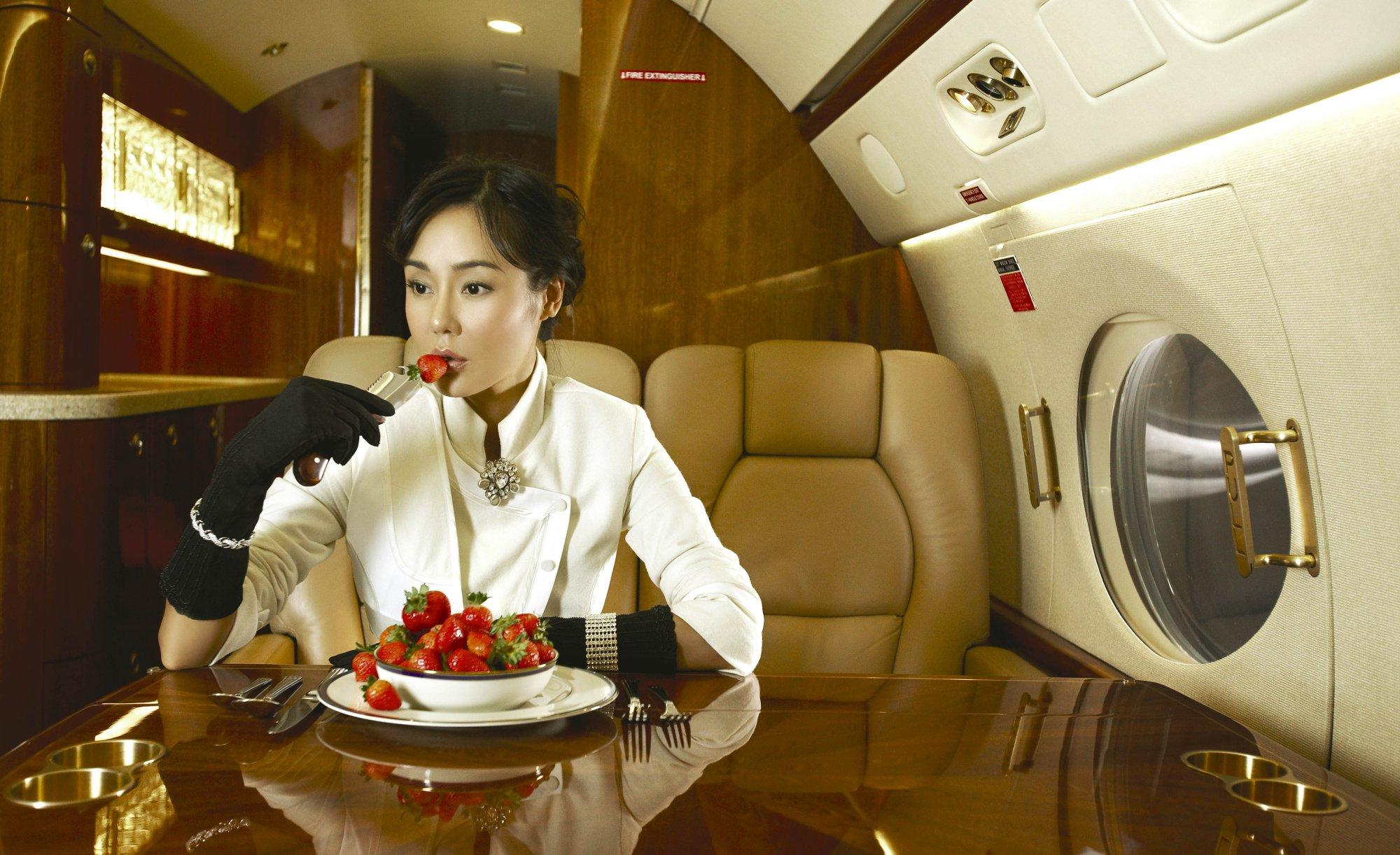 Фото жены в самолете 3 фотография