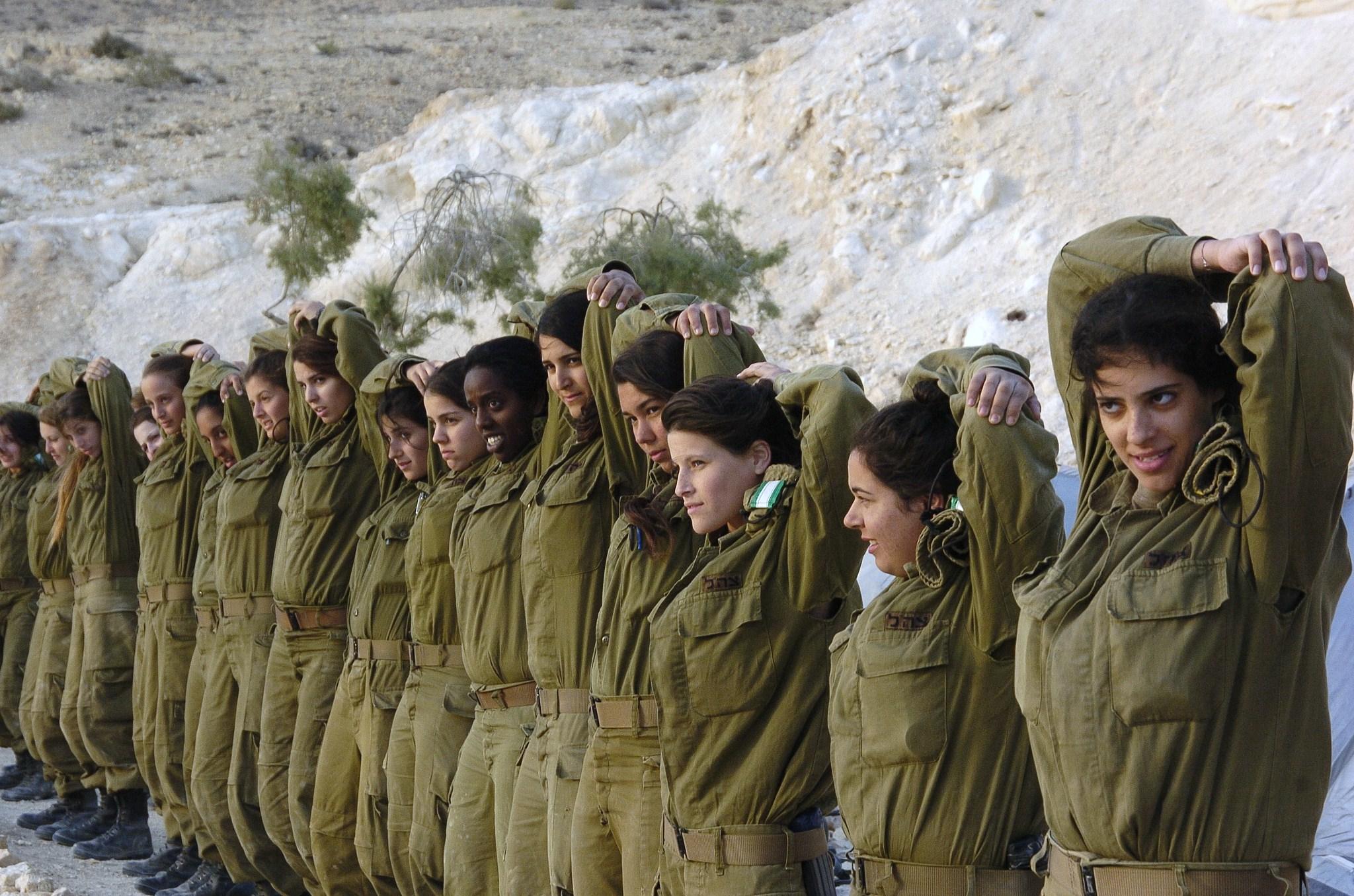 Частные фото девушек из армии 1 фотография