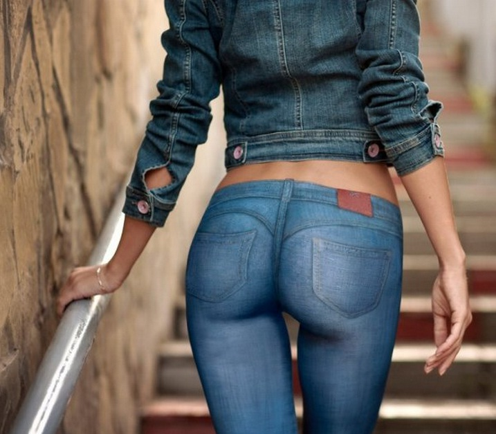 Teen babe Cyrstal Rae slipping off denim jeans and panties over phat ass № 274930 без смс