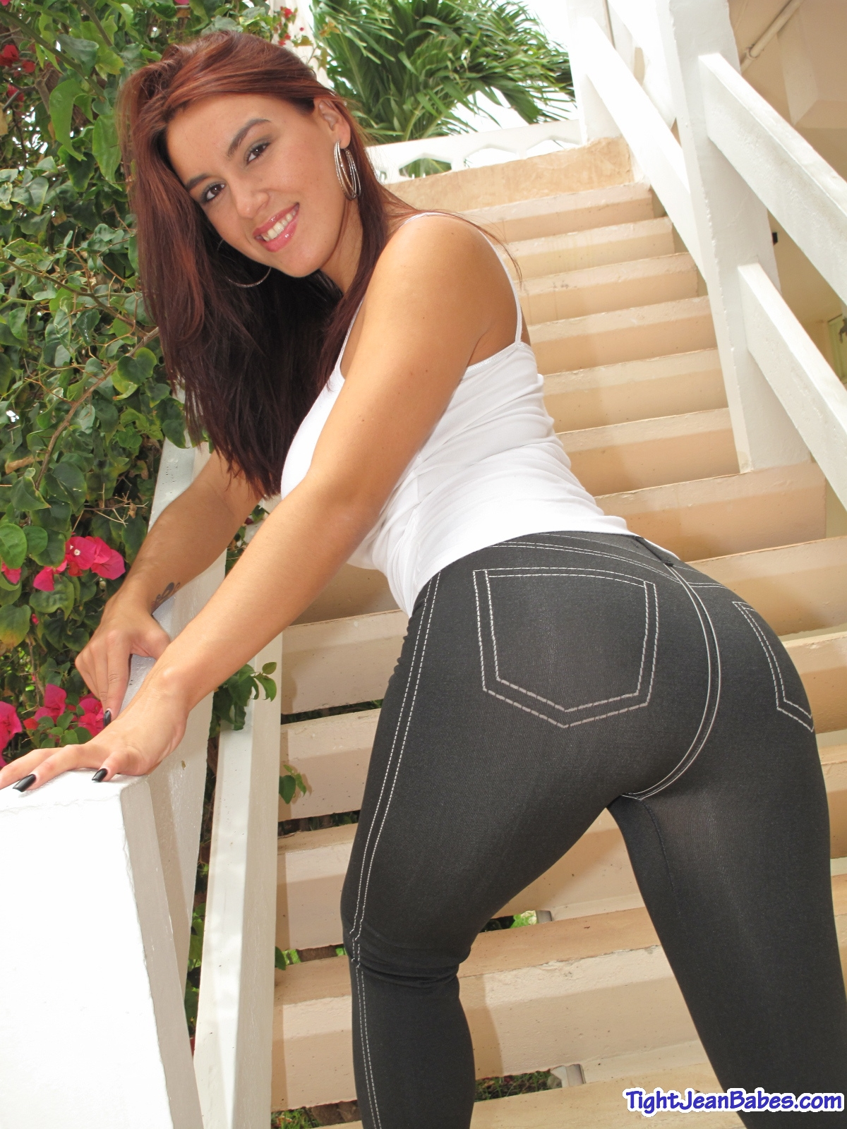 Pantyhose ass worship